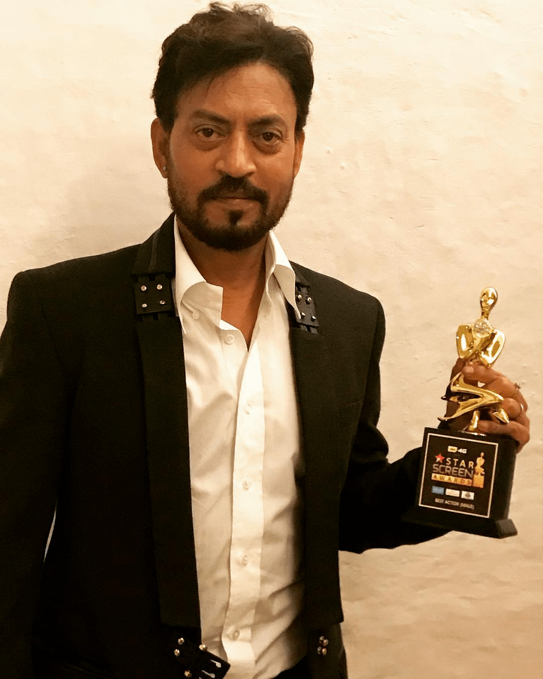 Irrfan Khan Biography » Dead, Family, Movies, Mother, Wife